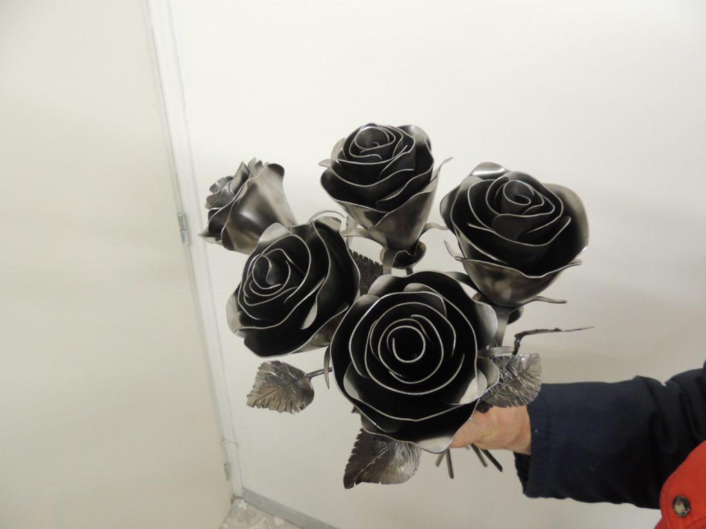 bouquet de rose en métal